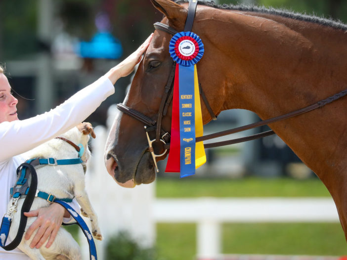 Kentucky Horse Shows: Caught Me Looking Wins the Tricolor in TAKE2 Hunter Championship